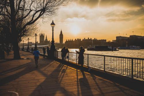 london-people-sky-34208